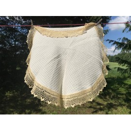 Table cloth with crochet edges