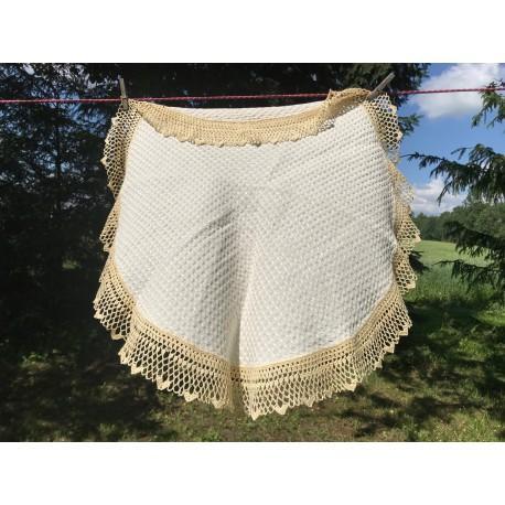 Table cloth with crochet edges